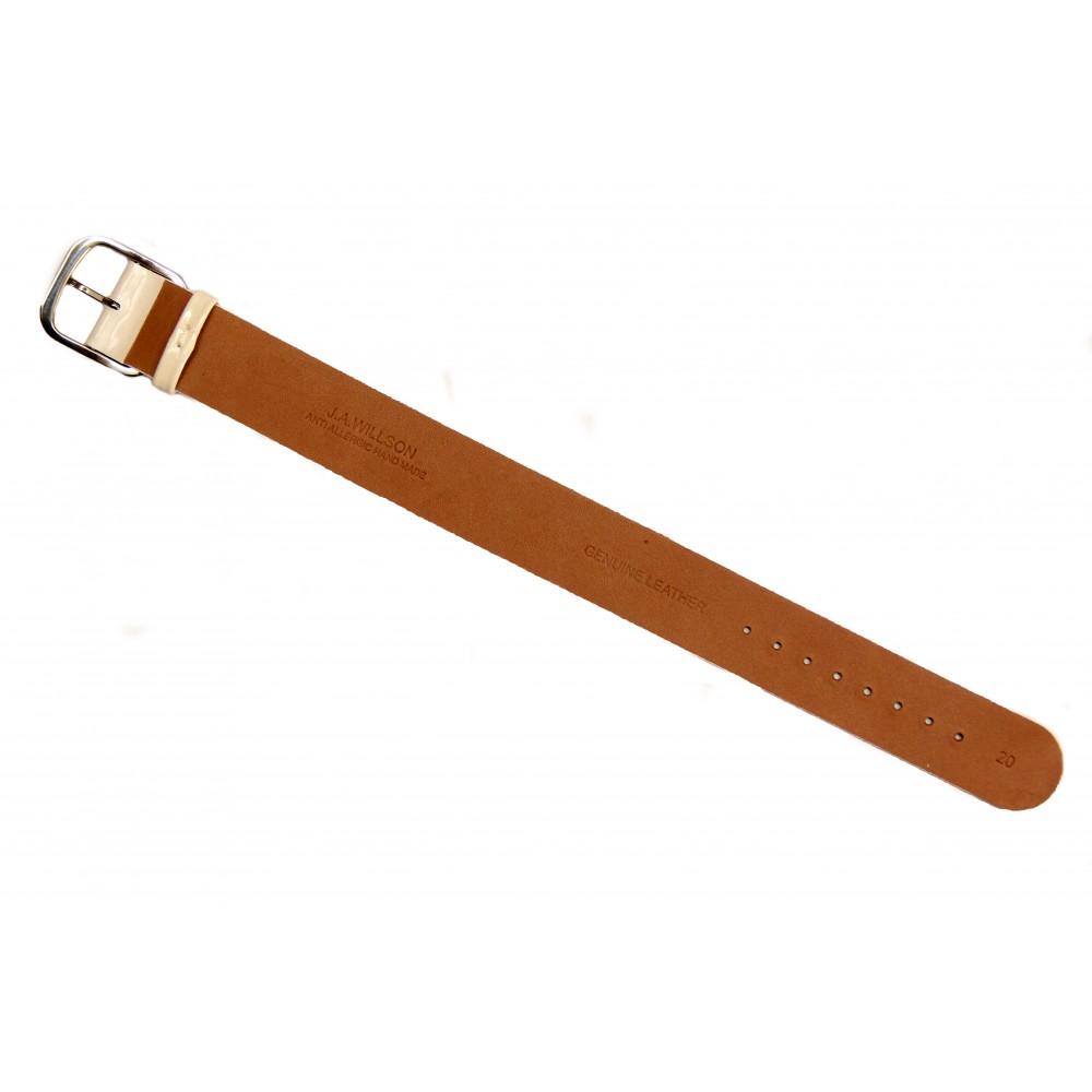 Белый лаковый ремешок для часов с литым корпусом. Willson